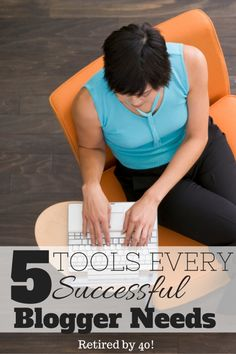 "If you want to make money blogging, you can't live without these 5 essential tools.  Every bloggers has at ""toolkit"" of applications, programs, and tools that they use every day to manage their time, make their writing better, and become a better blogger."