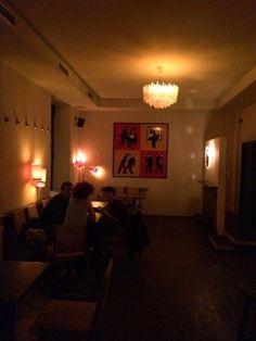 zum jennerwein avantgardistische mischung aus kneipe und club spielt rock und indie f r ein. Black Bedroom Furniture Sets. Home Design Ideas