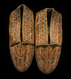 Seneca or Cayuga Pair of moccasins  Traditional, mid-19th century  Buckskin, porcupine quills, sinew