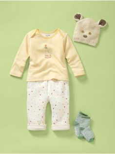 in love with this circus themed layette line at baby gap. so sweet!