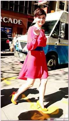 Ginny Goodwin walkin' down the street, Ginny Goodwin. (Sounds perfect with the pretty woman song)