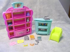 B102 Barbie Chic Shoe Store Playset #8810 Display Stand Counter Chair Lot #Mattel