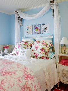 Vintage room decor sweet vintage bedroom decor ideas with bright Bedroom Photos, Home Bedroom, Bedroom Furniture, Dream Bedroom, Bedroom Ideas, Cloud Bedroom, Bedroom Themes, Bedroom Wall, Vintage Bedroom Decor