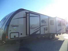 2014 Used Coachmen 322RLDS Liberty Edition Travel Trailer in Minnesota MN.Recreational Vehicle, rv, 2014 Coachmen 322RLDS Liberty Edition Rear Living Floorplan with Island Kitchen! Gorgeous floorplan! This unit has everything a couple wants; Rear-living with large window, Electric Fireplace, Island Sink, Great Storage and more. This unit is part of Coachmen's Liberty Edition--it has great exterior and interior finishes. Please take a moment and browse through all 48 pictures, this might just…