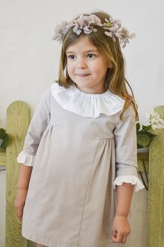 Misnis » NUEVA COLECCIÓN Vintage Girls Dresses, Cute Girl Dresses, Little Girl Dresses, Flower Girl Dresses, Kids Gown Design, Little Girl Fashion, Kids Fashion, Frocks And Gowns, Diy Dress