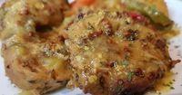 Ένα φαγητό λουκούμι σκέτο -λιώνει στο στόμα !!! Προγραμματίστε το -Αξίζει !!!! Υλικά 1 κιλό ψαρονέφρι κομμένο σε ροδέλες 2 κόκκινες... Greek Recipes, Recipies, Food And Drink, Chicken, Meat, Cooking, Foodies, Recipes, Kitchen