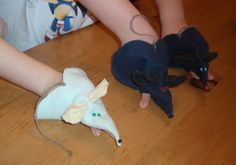 These finger puppet mice were a fun project for the boys. Only negative was the glue did not hold, so I had to stitch those areas. From the Feb. issue of Disney's Family Fun Magazine.