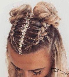 Cheveux en chignon frisur mit pailletten Frisur Coiffure de festival   Cheveux en chignon frisur mit pailletten Frisur Coiffure de festival #haar