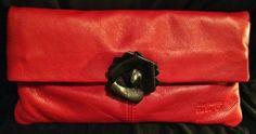 La borsa rossa con la dark rose