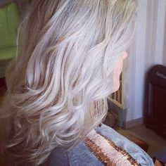 Grey hair is in for people of all ages! Get on this trend, do some highlights, I bet you will feel young and hip with this stylish hair Pastel Grey, Stylish Hair, Grey Hair, Highlights, Long Hair Styles, People, Beauty, Gray Hair, Long Hairstyle