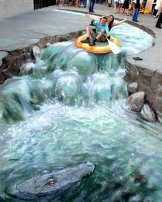 Everyone loves illusions right? Well how about illusions in street art form. These absolutely stunning pieces of street art are all made for real, no Murals Street Art, 3d Street Art, Street Art Graffiti, Street Artists, Illusion Kunst, Illusion Art, 3d Sidewalk Art, Photo Humour, 3d Chalk Art