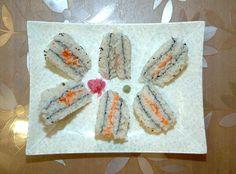 평양초밥전문식당에서 30여가지의 초밥 즉석봉사