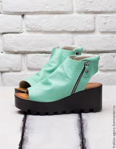 Купить Цветные сандалии: мятные, красные, золотистые, синие, белые и черные - мятный, сандалии