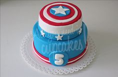 Capitan America by All you need is Cupcakes!, via Flickr