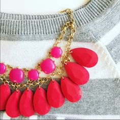"NWOT Red & Pink statement necklace NEW without tags -- This beautiful statement necklace will add a little romance to any outfit 💗❤️ Lobster clasp, chain is 21"" long, each teardrop pendant is 1.5"" long. ⭐️ Best in Jewelry & Accessories Host Pick (The shirt is also for sale on another listing!) Boutique Jewelry Necklaces"