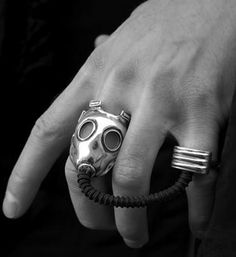 gas mask ring -- creepiest episode ever!