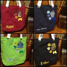 Hogwarts House Tote Bag by Hanavas on Etsy Harry Potter Shop, Harry Potter Shirts, Harry Potter Style, Harry Potter Anime, Harry Potter Outfits, Slytherin Pride, Ravenclaw, Hogwarts Robes, No Muggles