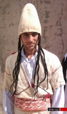 A Yezidi man in traditional costume. Northern Iraq, early 21th century.