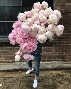 lacewings - the worlds biggest bouquet of peonies - simply beautiful bouquet of flowers Fresh Flowers, Pink Flowers, Beautiful Flowers, Simply Beautiful, Wedding Bouquets, Wedding Flowers, Wedding Bells, Wedding Dresses, Nectar And Stone