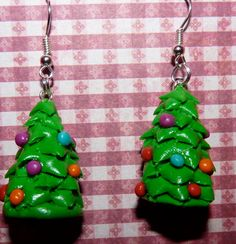 Christmas tree polymer clay earrings by WoodlandFeltCrafts on Etsy, €10.00