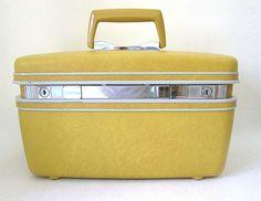 Vtg Samsonite Silhouette Yellow Gold Train Case Carry-On Hard Shell Luggage Key #Samsonite