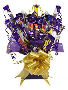 Cadburys Chocolate Bouquet X-Large 26 Piece Tree Explosion Gift Hamper Selection Box - Perfect Gift Rocher Chocolate, Chocolate Tree, Chocolate Gift Boxes, Cadbury Chocolate, Sweet Hampers, Gift Hampers, Romantic Gifts For Him, Diy Gifts For Him, Bouquet Box