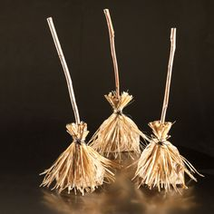 Broomstick Bags ~ Your guests will fly home happy with these favors made from lunch bags.