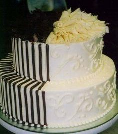 For a more modern style, try a black and white theme, maybe even with vanilla and chocolate on the inside!