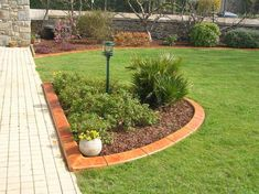 Garden Edging and Borders 18 Garden Lawn Edging Garden Border Edging and Lawn Edging Products In the Uk 3 Garden Border Edging, Lawn Edging, Garden Borders, Lawn And Garden, Garden Beds, Mailbox Landscaping, Garden Shower, Lawn Maintenance, Landscape Edging