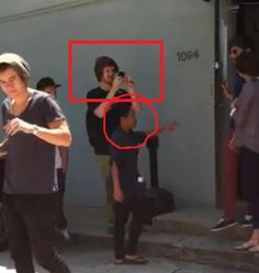 God. I just. This annoys me. I do not hate Eleanor...but I mean...look. you can see Harry crying on the side!