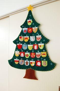 Felt Advent Calendar, Christmas Tree Advent Calendar, Advent Calenders, Felt Christmas Ornaments, Diy Christmas Tree, Christmas Crafts For Kids, Simple Christmas, Holiday Crafts, Christmas Holidays