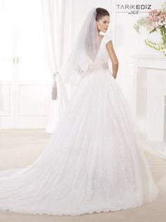 tarik-ediz-wedding-dresses-26-08052014nz