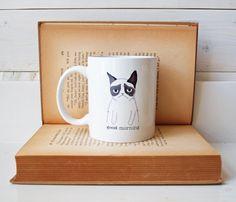 Ceramic Mug from a Grumpy Cat por AfternoonCoffee en Etsy, $23.25