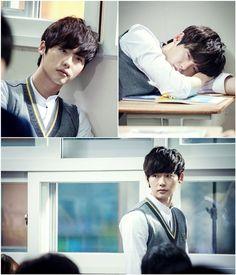 Lee Jong Suk in School 2013 Lee Jong Seok, Lee Jong Suk Cute, Hong Jong Hyun, Jung Suk, Choi Seung Hyun, Lee Jung, Weird Songs, School 2013, Drama School