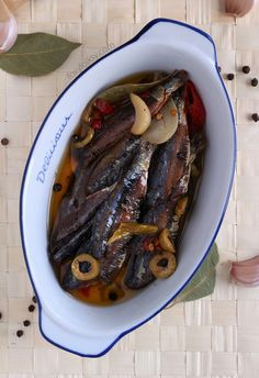 Try this Gourmet Tuyo Recipe and bring your plain tuyo (dried herring) to a whole new level. Cravings solved because you can keep them longer! Gourmet Tuyo Recipe, Gourmet Recipes, Cooking Recipes, Healthy Recipes, Gourmet Foods, Filipino Dishes, Filipino Recipes, Filipino Food, Fish Recipes