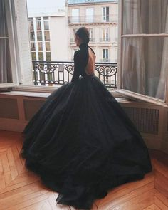 Gothic Wedding Dresses: Challenging Traditions Ball Gowns Evening, Ball Gowns Prom, Ball Gown Dresses, Evening Dresses, Prom Dresses, Black Ball Gowns, Xv Dresses, Puffy Dresses, Tulle Ball Gown