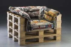 DIY Wood Pallet Furniture DIY Wood Pallet Furniture The post DIY Wood Pallet Furniture appeared first on Wood Diy. Wooden Pallet Projects, Wooden Pallet Furniture, Wooden Pallets, Pallet Ideas, Pallet Wood, Pallet Bar, 1001 Pallets, Wood Wood, Furniture Projects