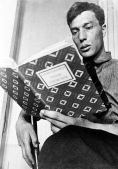 SOUND: http://www.ruspeach.com/en/news/10133/ 10 февраля 1890 года в Москве родился Пастернак Борис Леонидович. Это русский писатель, поэт и переводчик. Пастернак был одним из крупнейших поэтов XX века. Пастернак опубликовал свои первые стихи в возрасте 23 лет. В 1955 году Пастернак закон