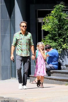 Hot Dads, Celebrity Photographers, Ryan Reynolds, Chris Hemsworth, Quality Time, Daughter, Actors, Celebrities, Father