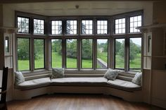 A home may not always be complete without a bay window seat. Whether it is a house or an apartment, you can have at least one. Make sure that these bay window seats are suitable for the whole conce… Large Windows, Windows And Doors, Transom Windows, Bedroom Windows, My Dream Home, Dream Homes, Master Suite, View Master, Master Bedrooms