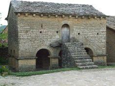 El hórreo más antiguo e interesante de Europa, el de Iratxeta en la Valdorba. #Navarra
