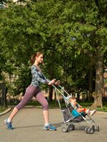 Push those post-pregnancy pounds out of your life with a fun, stroller-based workout you can do while spending time outside with your baby. Power Walking, Getting Back In Shape, Mommy Workout, After Baby, Post Pregnancy, Fitness Nutrition, Get Healthy, Baby Strollers