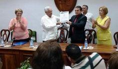 Entregó el reconocimiento el ministro de Educación Superior, Rodolfo Alarcón Ortiz. Como justo premio a la constancia y a la calidad en la formación de sus egresados, la Universidad Médica de Villa Clara, Dr. Serafín Ruiz de Zárate Ruiz