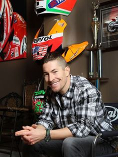 MotoGP champ Nicky Hayden to World Superbike Flat Track Motorcycle, Motorcycle Racers, Racing Motorcycles, Motogp, Nicky Hayden, Speed King, Guy Martin, Vintage Motocross, Marc Marquez