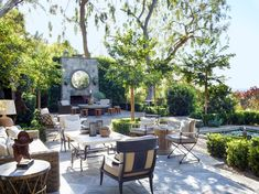 When it's raining in Paris, designer Jean-Louis Deniot simply hops a plane to his blissful hideaway in sunny Los Angeles Outdoor Spaces, Indoor Outdoor, Outdoor Living, Outdoor Decor, Outdoor Patios, Outdoor Kitchens, Fresco, California Living, Global Design
