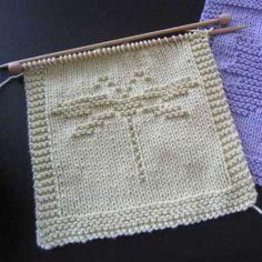 Dragonfly Washcloth #free #knit #knitting #pattern #bath #bathroom #freeknittingpattern