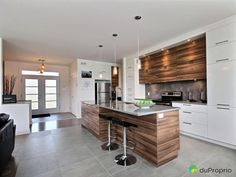Find Out Who's Worried About Best Kitchen Countertop Ideas On A Budget with Pictures and Why You Should Pay Attention - homeuntold Modern Kitchen Island, Narrow Kitchen, Interior Design Living Room, Living Room Designs, Interior Decorating, Ikea Kitchen, Kitchen Dining, Kitchen Shelves, Bar Counter Design