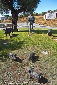 Monumento aos Porqueiros - Arronches - Portugal by Portuguese_eyes, via Flickr
