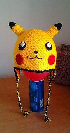 Free crochet Pikachu hat pattern on ravelry. Crochet Kids Hats, Crochet Beanie, Crochet Animals, Crochet Crafts, Crochet Projects, Free Crochet, Crochet Baby, Knit Crochet, Crocheted Hats