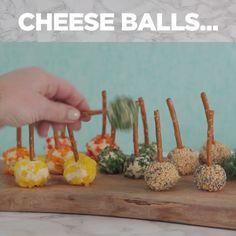 Easy Cheese Ball Appetizers food for party videos appetizers dip recipes Cheese Ball Recipes, Appetizer Recipes, Dip Recipes, Whole30 Recipes Lunch, Easy Cheese, Chicken Parmesan Recipes, Food Platters, Holiday Appetizers, Balls Recipe